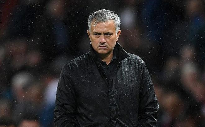 """Man United thắng đậm, Mourinho vẫn """"nổi điên"""" vì học trò"""