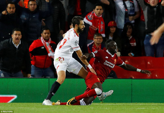 Vận may chưa trở lại, Liverpool chỉ biết ngậm ngùi tự trách mình - Ảnh 15.