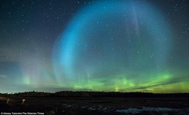 Bí ẩn quả cầu UFO khổng lồ phát sáng ở Sibaria: Cổng thời gian mở ra hay người ngoài hành tinh? - Ảnh 7.