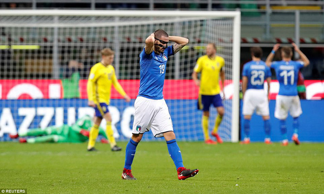 Italia mất vé dự World Cup 2018: Buffon khóc trong đau đớn, De Rossi điên tiết mắng HLV - Ảnh 4.