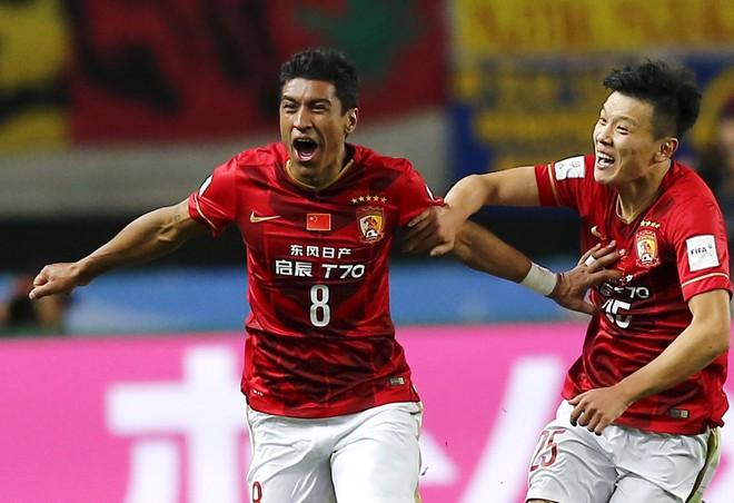 Sân chơi của Xuân Trường khủng hoảng vì những túi tiền không đáy của Trung Quốc - Ảnh 2.