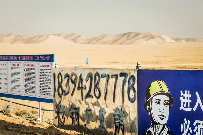 Những thành phố ma giữa lòng sa mạc ở Trung Quốc đang dần tỉnh giấc - Ảnh 5.