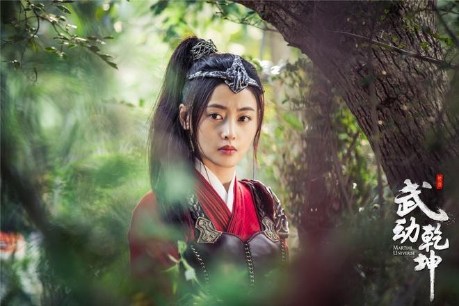 Chuyện ngược đời trong phim Hoa ngữ: Đang từ vai chính bị đẩy xuống vai phụ - Ảnh 5.