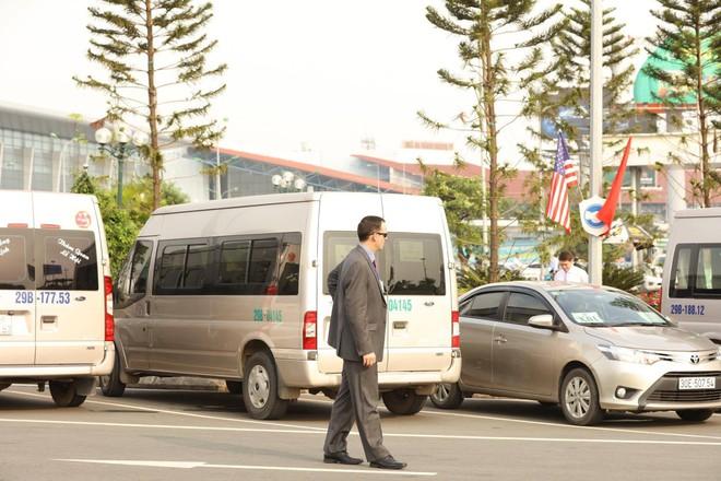 Mật vụ Mỹ đến sân bay, Air Force One sẵn sàng đưa tổng thống Trump rời Đà Nẵng ra Hà Nội 7