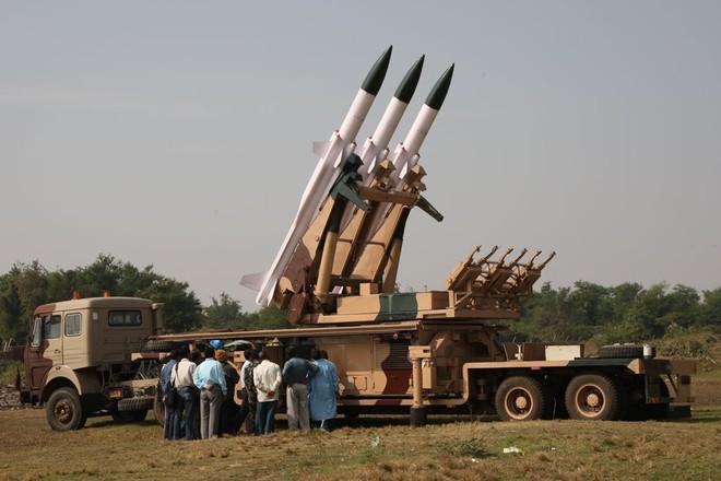 Tên lửa phòng không Ấn Độ muốn bán cho Việt Nam sắp được thực chiến tại Doklam? - Ảnh 1.