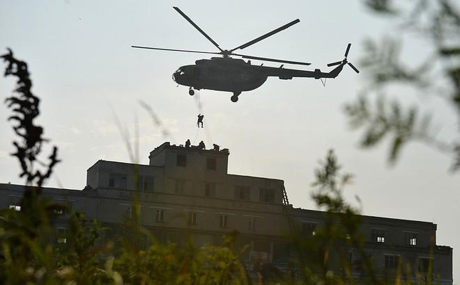Phi cơ, trực thăng Nga tràn ngập phim hành động Hollywood nhưng sự thật là gì?