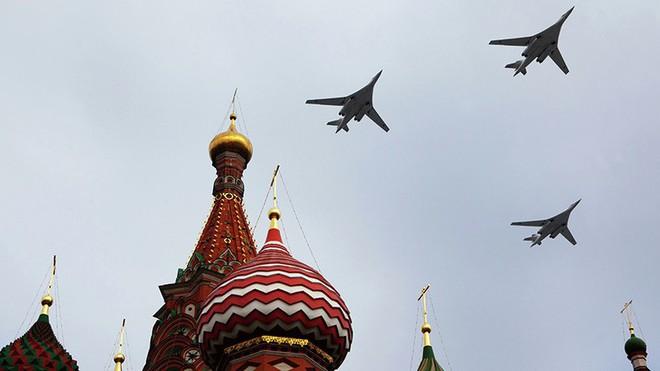 Tài phiệt Trung Đông chơi trội: Mua máy bay ném bom chiến lược Tu-160 làm phi cơ riêng! - Ảnh 1.