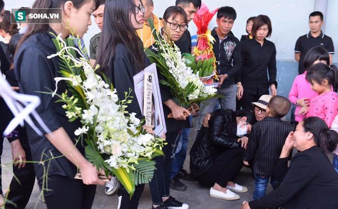 Ảnh: Thi thể bé gái người Việt tử vong ở Nhật Bản về tới Việt Nam