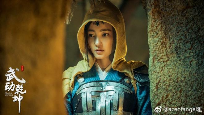 Chuyện ngược đời trong phim Hoa ngữ: Đang từ vai chính bị đẩy xuống vai phụ - Ảnh 6.