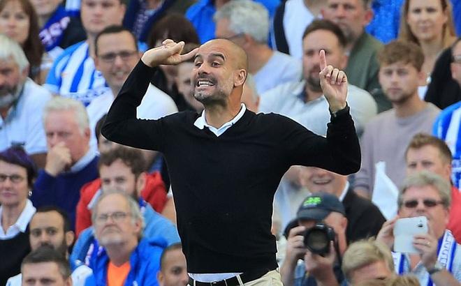 """Man xanh thắng cách biệt, Pep Guardiola vẫn """"tối sầm"""" mặt"""
