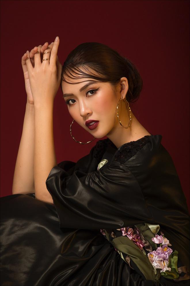 Tường Linh hóa quý cô thanh lịch trước thềm thi Hoa hậu Liên lục địa - Ảnh 7.