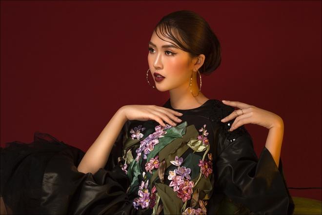Tường Linh hóa quý cô thanh lịch trước thềm thi Hoa hậu Liên lục địa - Ảnh 8.