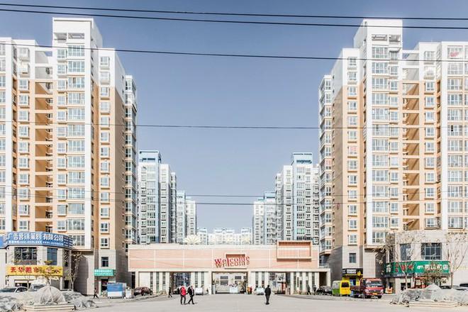 Những thành phố ma giữa lòng sa mạc ở Trung Quốc đang dần tỉnh giấc - Ảnh 9.