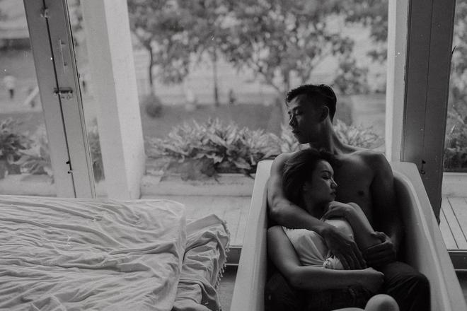 Mới quen nhau 15 ngày, cặp đôi đã khoe ảnh tình yêu táo bạo, nóng bỏng - Ảnh 3.