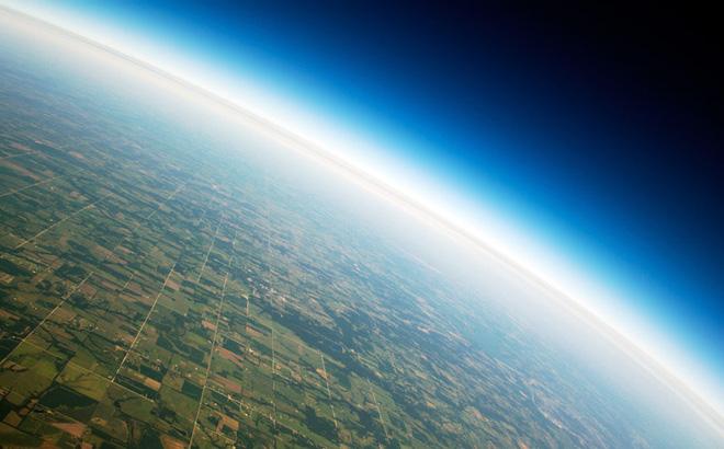 Bầu khí quyển của Trái Đất.