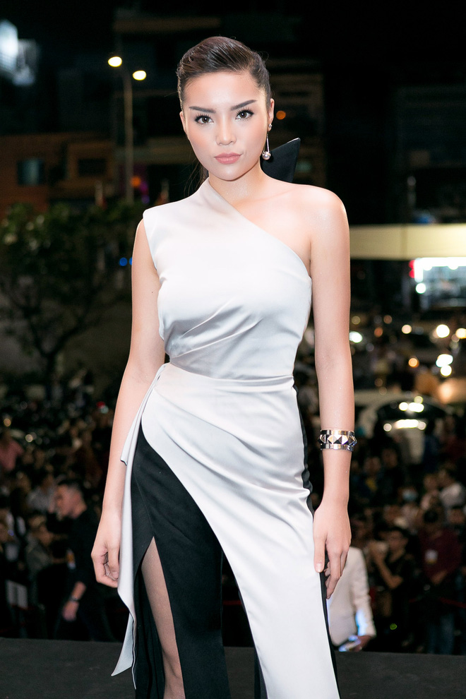 <a target='_blank' href='http://www.phunuvagiadinh.vn/tag/hoa-hau-ky-duyen'>Hoa hậu Kỳ Duyên</a> tái xuất đầy quyến rũ - Ảnh 1.