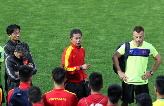 Sao HAGL tiếp tục trổ tài, HLV Hoàng Anh Tuấn yên tâm chờ đại chiến U20 New Zealand - Ảnh 8.