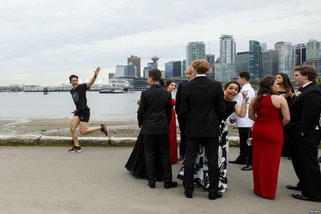 24h qua ảnh: Thủ tướng Canada chạy bộ trên phố như thường dân - Ảnh 8