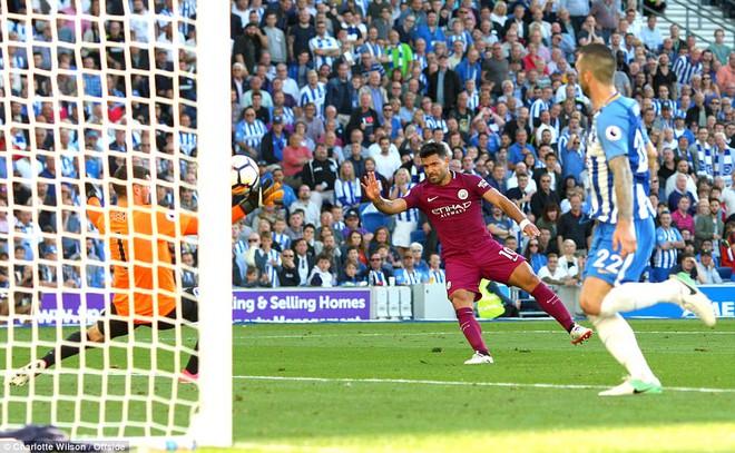 Man xanh thắng cách biệt, Pep Guardiola vẫn tối sầm mặt - Ảnh 8.