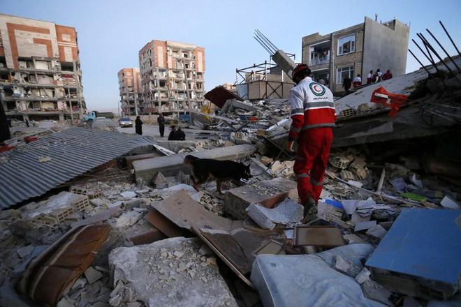 Động đất Iran - Iraq kinh hoàng nhất thế giới 2017: Thương vong đã lên đến hơn 7.000 - Ảnh 1.