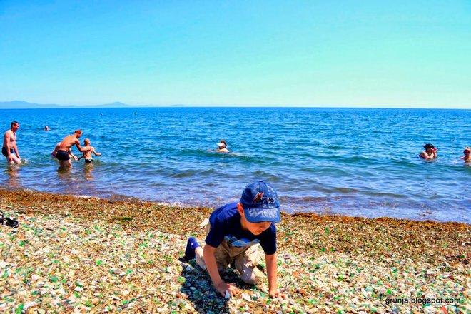 Hàng triệu mảnh thủy tinh bị vứt xuống biển, 10 năm sau điều không ai ngờ đến đã xảy ra - Ảnh 8.