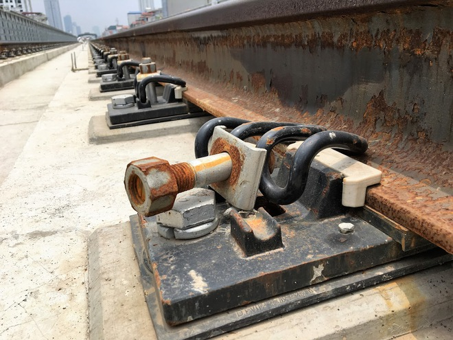 Cận cảnh những vết nứt tại dự án đường sắt trên cao Cát Linh - Hà Đông - Ảnh 10.