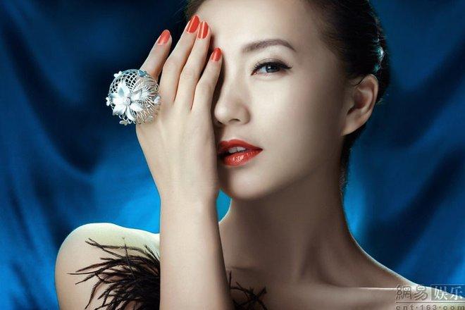Vẻ đẹp vạn người mê ở tuổi 38 của diễn viên Như ý, Cát Tường - ảnh 10