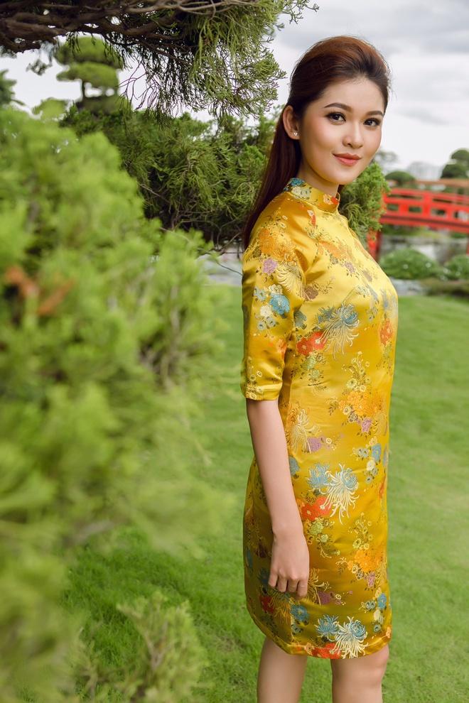 Á hậu Thùy Dung đầy cuốn hút khi khoe dáng với áo dài - Ảnh 9.