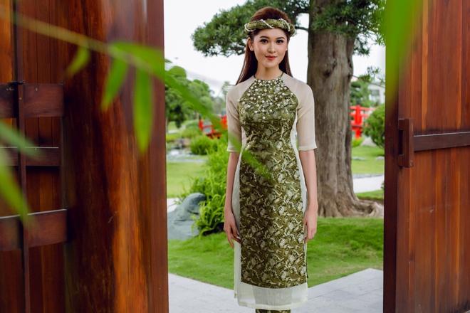 Á hậu Thùy Dung đầy cuốn hút khi khoe dáng với áo dài - Ảnh 6.