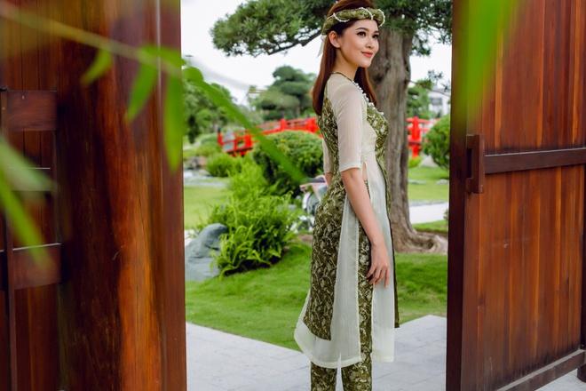 Á hậu Thùy Dung đầy cuốn hút khi khoe dáng với áo dài - Ảnh 5.