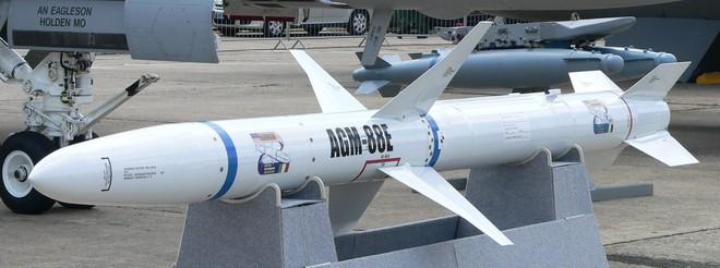 Trang bị thêm 1.500 tên lửa AGM-88E, Mỹ khiến phòng không Trung Quốc run bần bật - Ảnh 1.