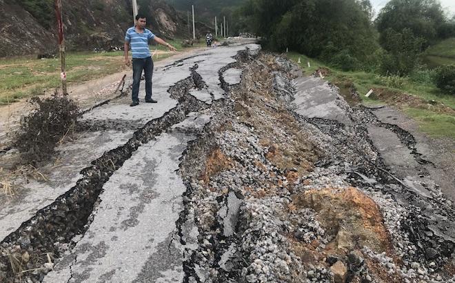 """Vụ con đường 68 tỷ """"biến mất"""": Tiến hành khoan địa chất tìm nguyên nhân"""