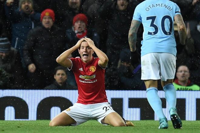Thất bại, nhưng Mourinho phải cảm ơn chàng ngự lâm quân của Old Trafford - Ảnh 4.
