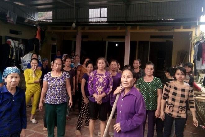 Vụ vợ cán bộ thôn nhận quà lũ lụt: Chủ tịch xã khẳng định không nhân nhượng - Ảnh 1.