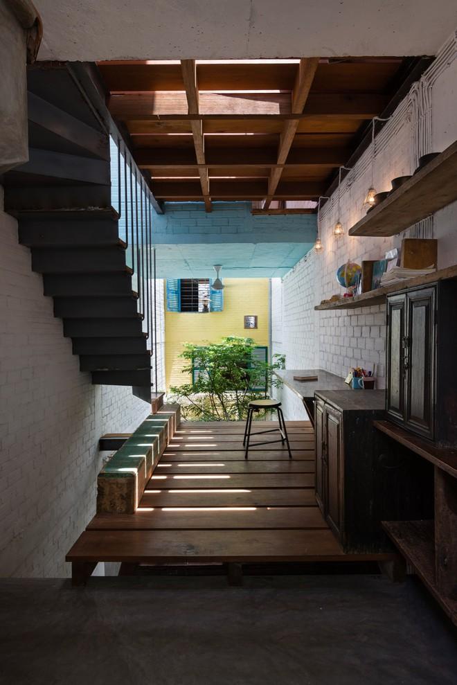Kiệt tác kiến trúc bên trong ngôi nhà lụp xụp, mặt tiền 3m ở Sài Gòn - Ảnh 9.