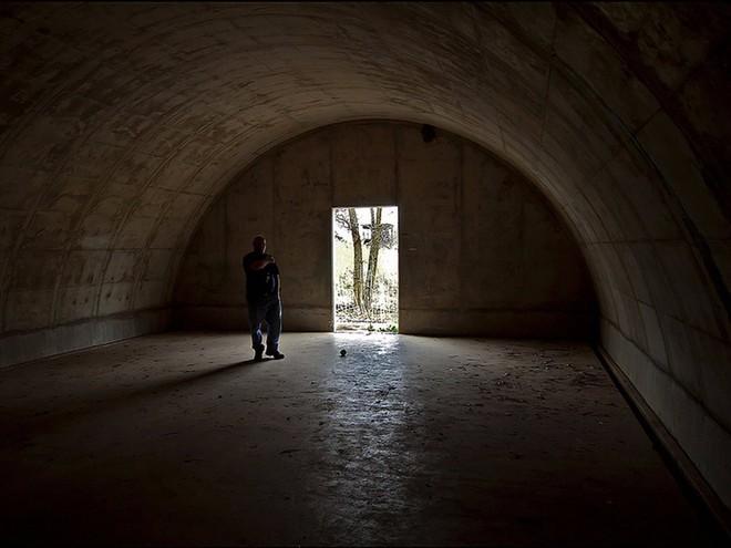 Khám phá hầm trú ẩn hạng sang tránh ngày tận thế dành cho giới nhà giàu ở Mỹ - Ảnh 4.