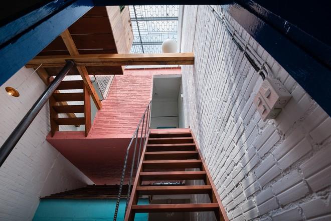 Kiệt tác kiến trúc bên trong ngôi nhà lụp xụp, mặt tiền 3m ở Sài Gòn - Ảnh 12.