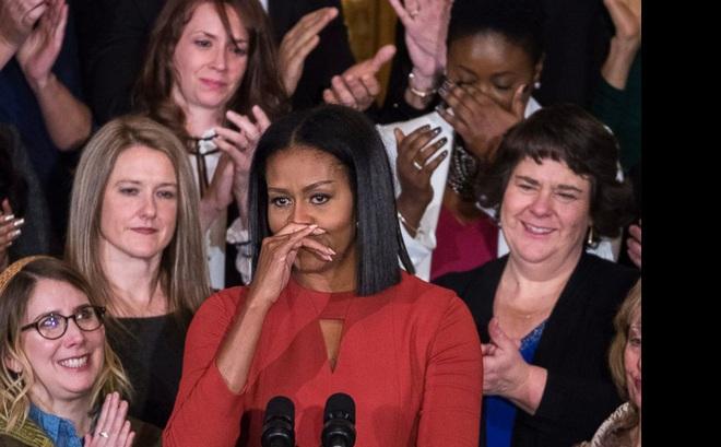 Diễn văn chia tay đầy cảm hứng và nước mắt của Michelle Obama: Hãy hy vọng. Đừng sợ hãi!