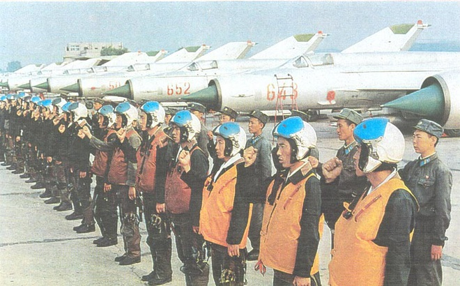 """Không thể tin nổi trước """"sức mạnh"""" của tiêm kích Triều Tiên"""