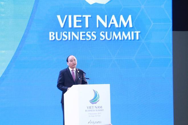 Thủ tướng Nguyễn Xuân Phúc: Tầng lớp trung lưu Việt Nam chiếm 50% dân số vào năm 2035 - Ảnh 1.