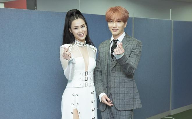 Đông Nhi bắt tay Leeteuk, Teayeon tại Asia Song Festival