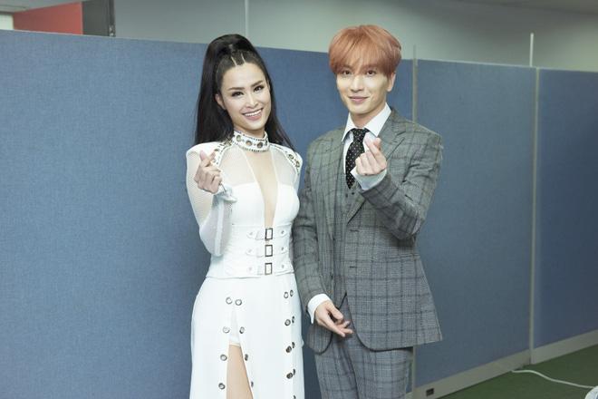 Đông Nhi bắt tay Leeteuk, Teayeon tại Asia Song Festival - Ảnh 8.