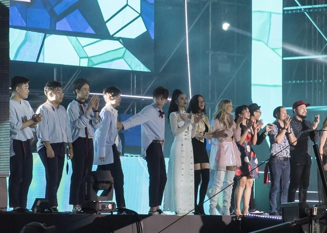 Đông Nhi bắt tay Leeteuk, Teayeon tại Asia Song Festival - Ảnh 5.