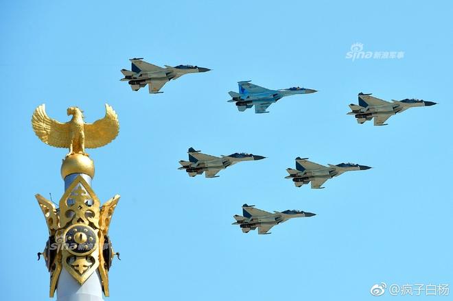 Hình ảnh ngộ nghĩnh nhất trong Lễ duyệt binh mừng Chiến thắng phát xít 9