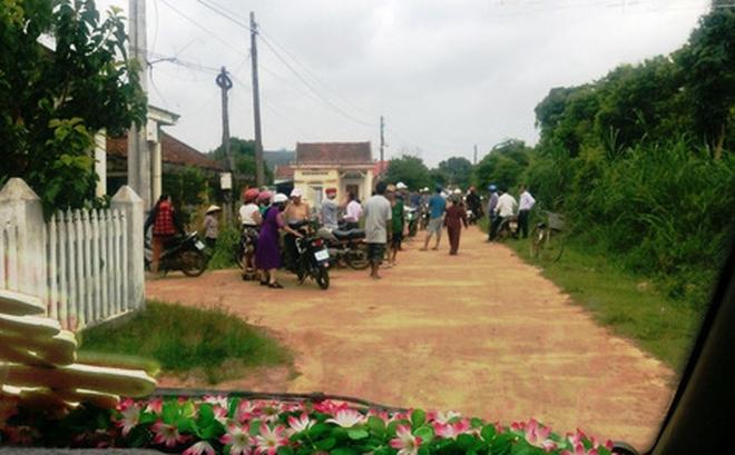 """Cán bộ thôn chặn xe đám cưới đòi nợ tiền làm đường: """"Không chấp nhận được!"""""""