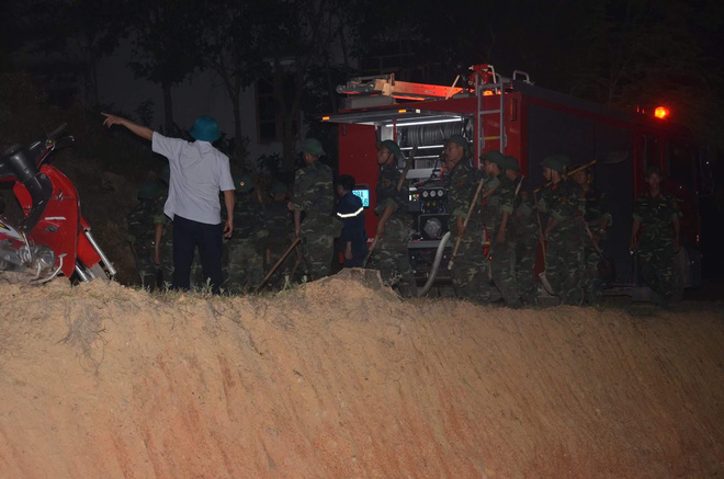 Hà Nội: Hơn 2000 người trắng đêm khống chế vụ cháy rừng lớn nhất, lâu nhất trong lịch sử - Ảnh 5.
