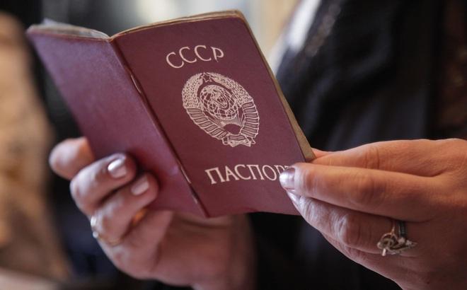 """Hy hữu """"công dân Liên Xô cuối cùng"""" và vấn đề mà cả thế giới đang đau đầu xử lý"""