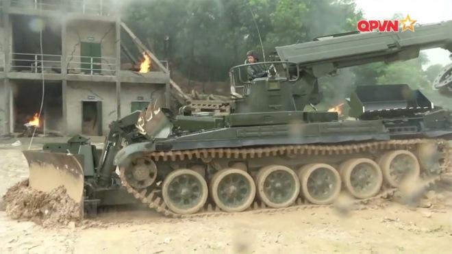 Ấn tượng quân sự Việt Nam tuần qua: Làm chủ vũ khí, khí tài, trang thiết bị hiện đại - Ảnh 5.