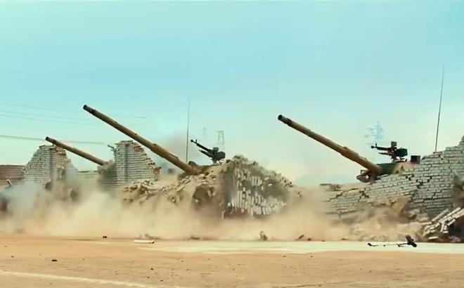 """Nhận diện chiếc xe tăng """"làm mưa làm gió"""" trong siêu phẩm Chiến Lang 2"""