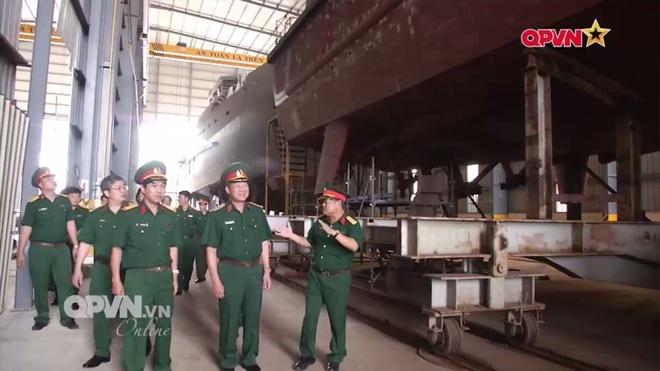 Ấn tượng quân sự Việt Nam tuần qua: Tăng tổng niên hạn sử dụng Su-22M4 lên trên 30 năm - Ảnh 2.